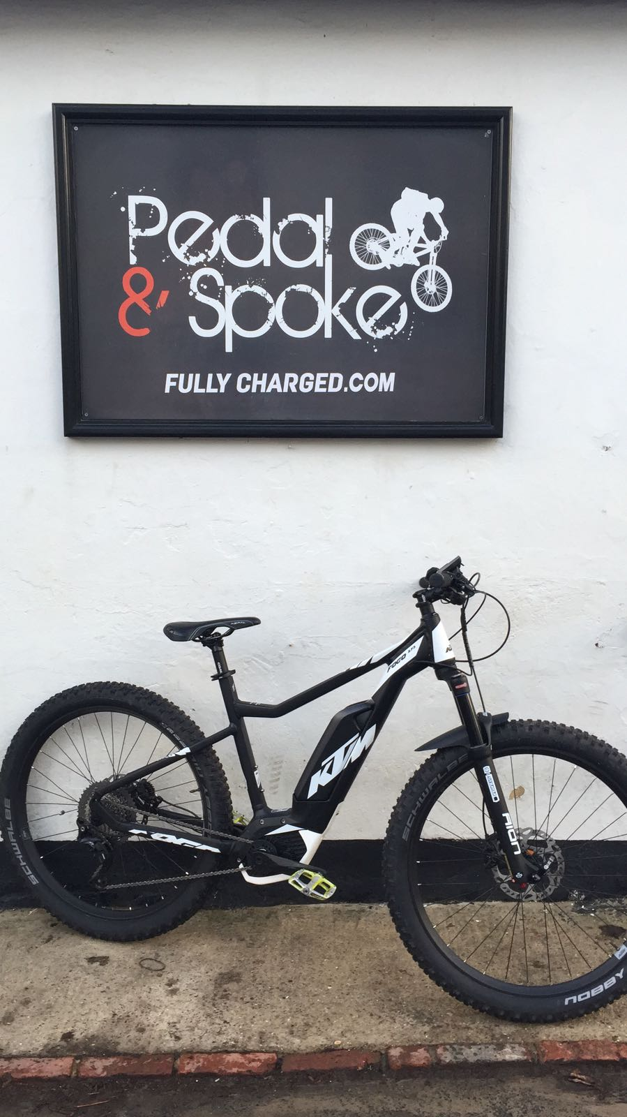 eBike Rental at Pedal and Spoke
